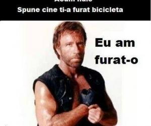 Chuck Norris s-a apucat de furat