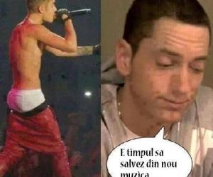 Eminem revine in centrul atentiei